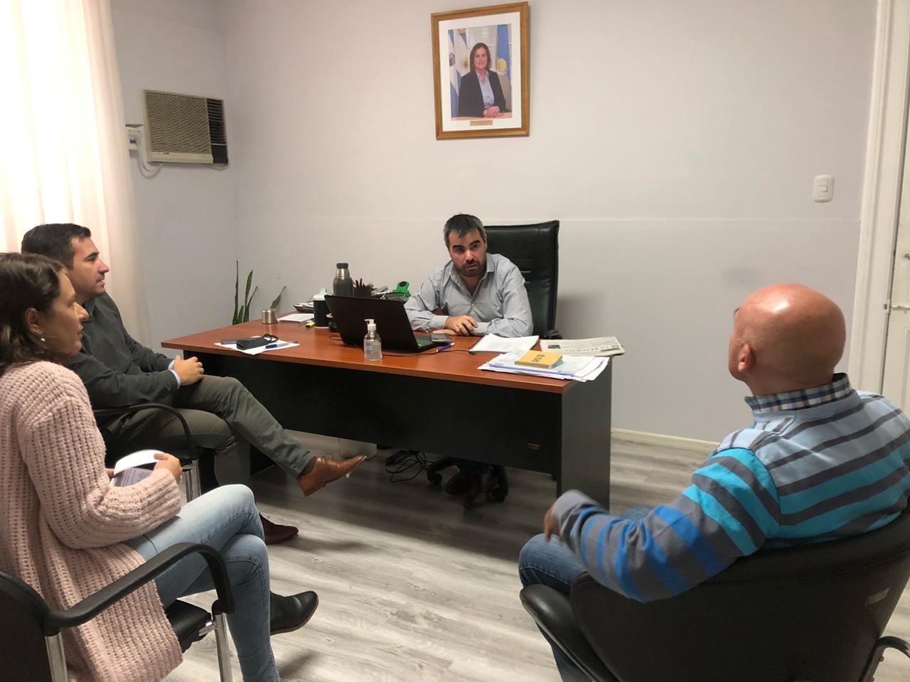 Representantes de Anses y del municipio se reunieron para coordinar operativos conjuntos por el cobro del Ingreso Familiar de Emergencia