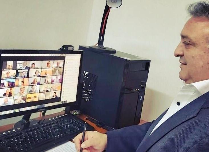 Lovera presentó dos proyectos de ley para regular el trabajo mediante medios digitales