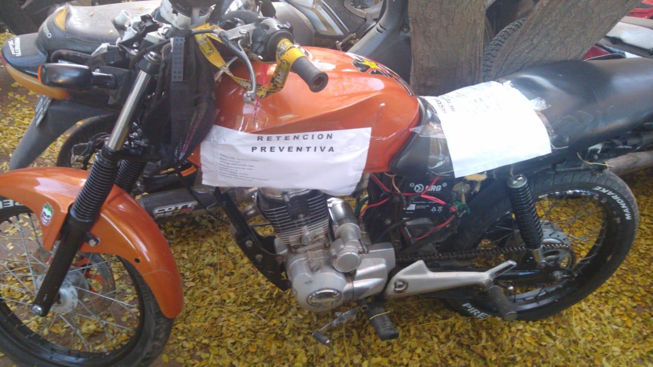 El joven motociclista accidentado anoche fue intervenido quirúrgicamente y está internado en Terapia Intensiva