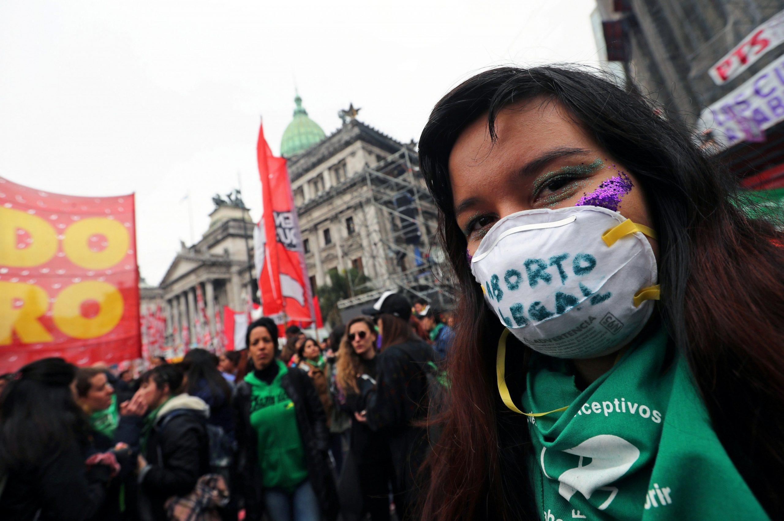 """Reclaman la legalización """"urgente"""" del aborto seguro y gratuito, con énfasis en la emergencia sanitaria"""