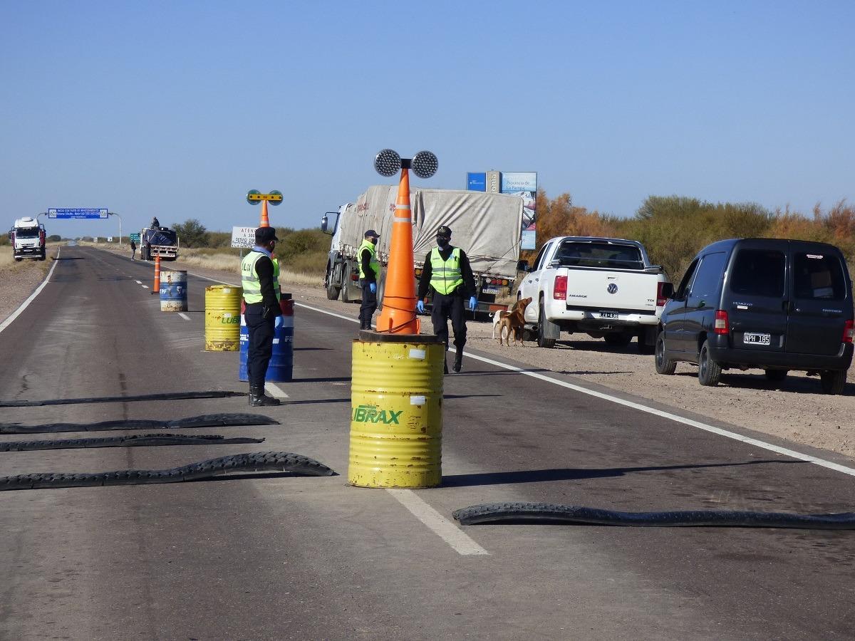 Tres personas de Capital Federal ingresaron a La Pampa por caminos vecinales, dos de ellas tuvieron coronavirus COVID-19