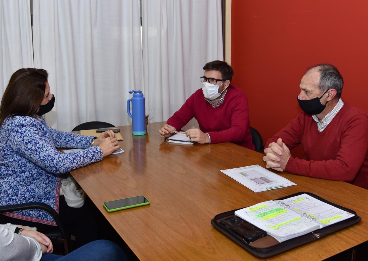 Confirman la instalación de 30 estaciones sustentables en General Pico y la modernización del Estado Municipal