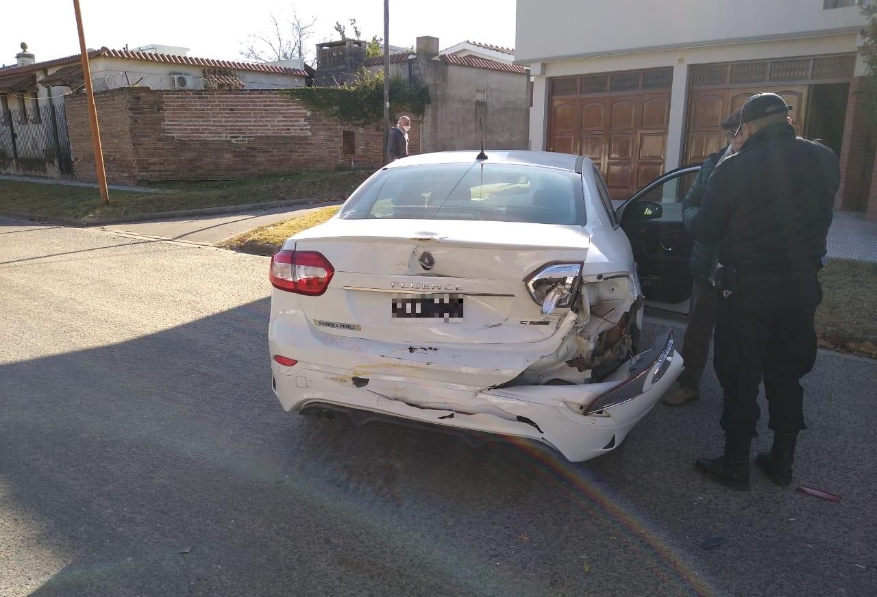 Salía de su garage y fue impactado por un camión recolector de residuos: No hubo lesionados