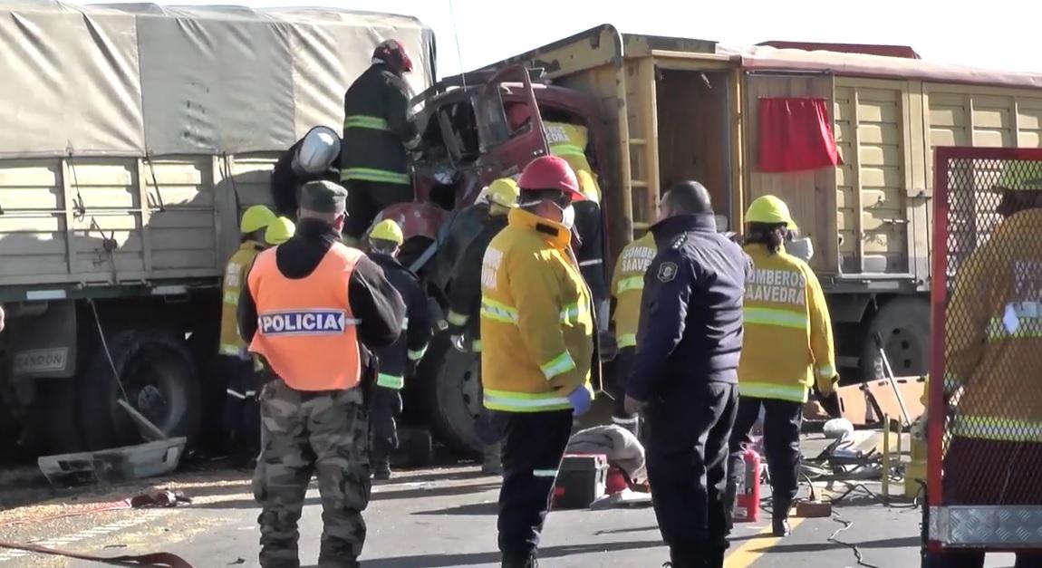 Un camión de América protagonizó importante choque en Ruta 33 cerca de Tornquist