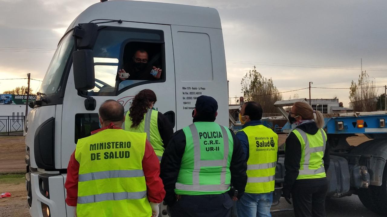 """Rige en La Pampa un protocolo específico para transportistas: """"Tendrán que someterse obligatoriamente a todos los controles sanitarios"""""""