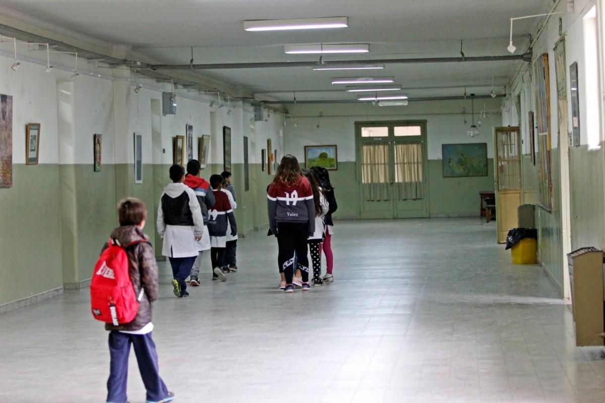 Docentes y alumnos regresarán a las aulas en la segunda semana de Febrero de 2021