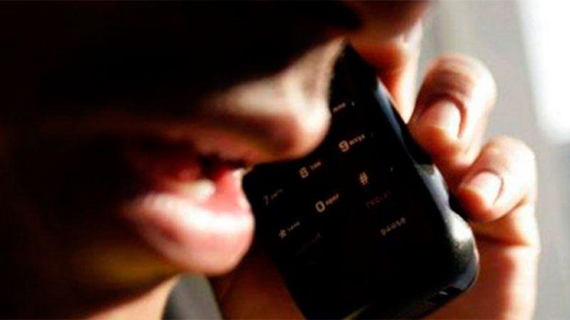 Intentaron estafarlo por teléfono, pero les siguió la corriente y la charla quedó registrada en un «entretenido» audio