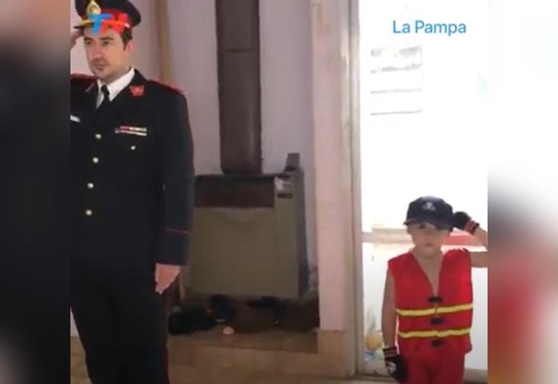 Un niño piquense de 4 años le pidió a su papá homenajear a los Bomberos que perdieron la vida en Villa Crespo