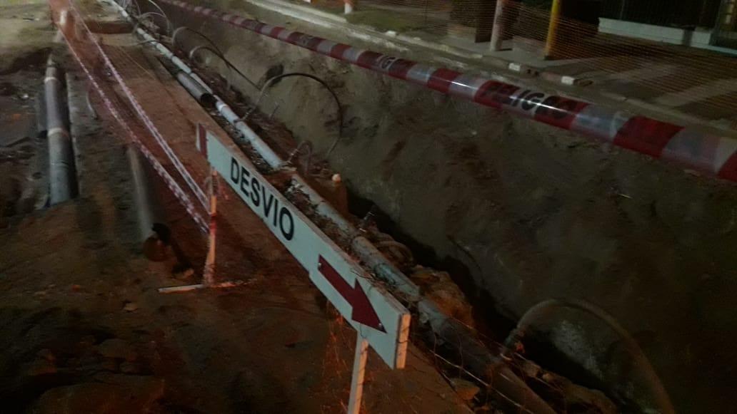 Tragedia en Santa Rosa: Murió una mujer que cayó a una zanja de 4 metros de profundidad de una obra de recambio de caños cloacales