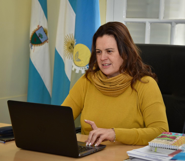 Alonso en teleconferencia con el subsecretario de primera infancia
