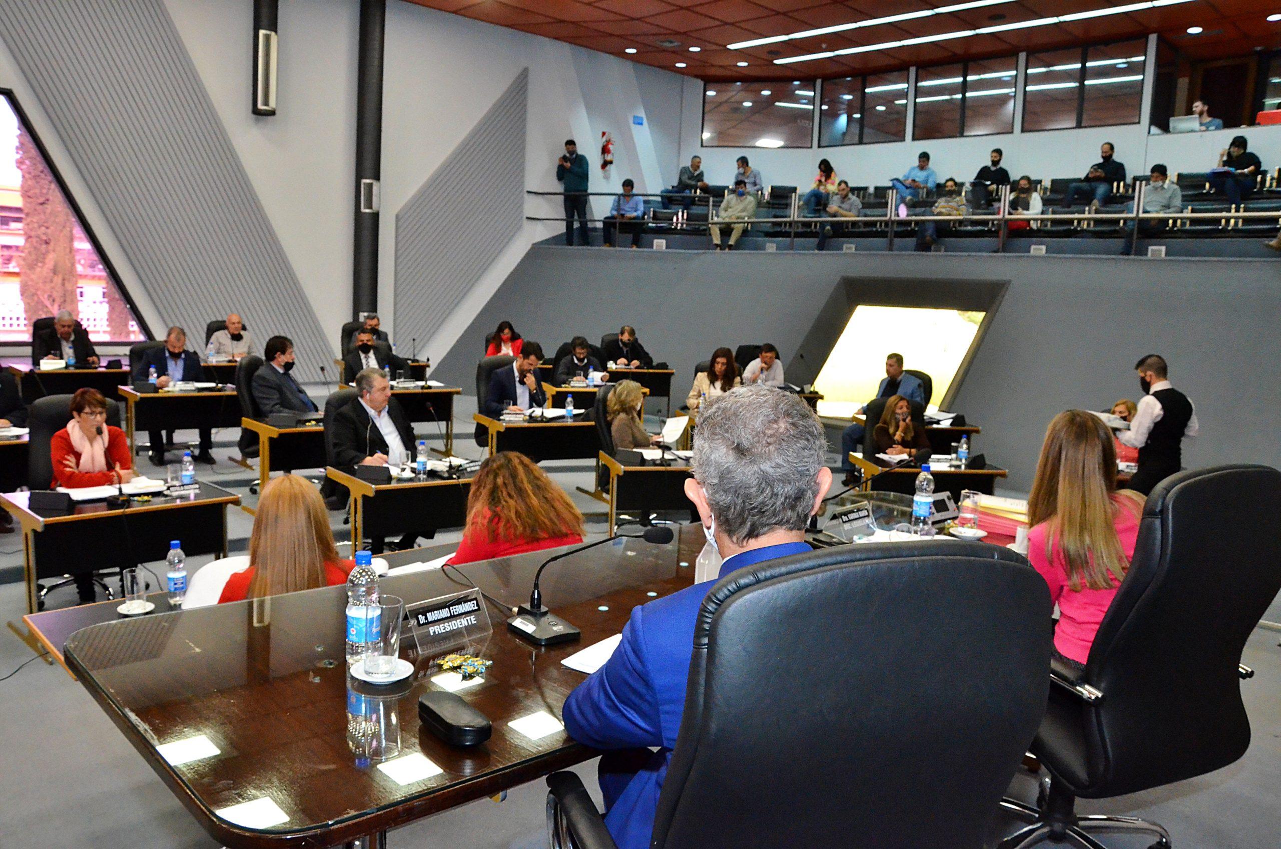 Cámara de Diputados: Aprobaron un pedido al Gobierno provincial de señalización e iluminación del cruce de Ruta 1 y acceso al Aeropuerto