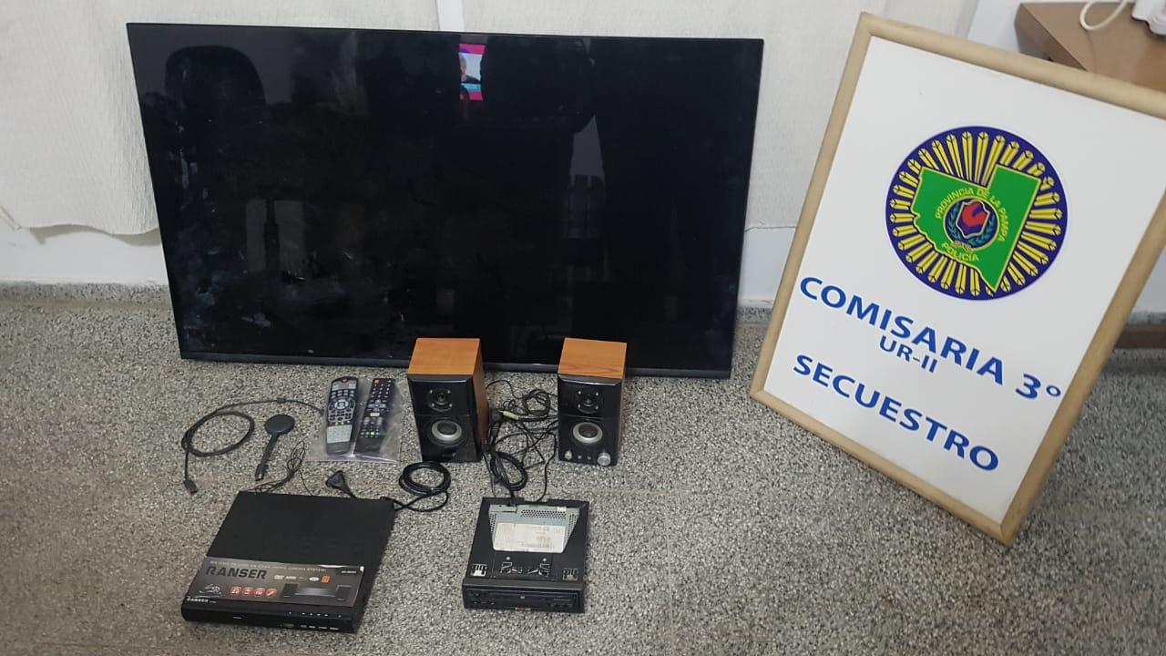 Robaron 30 mil pesos y un TV de 55 pulgadas: La policía ya capturó a los dos ladrones