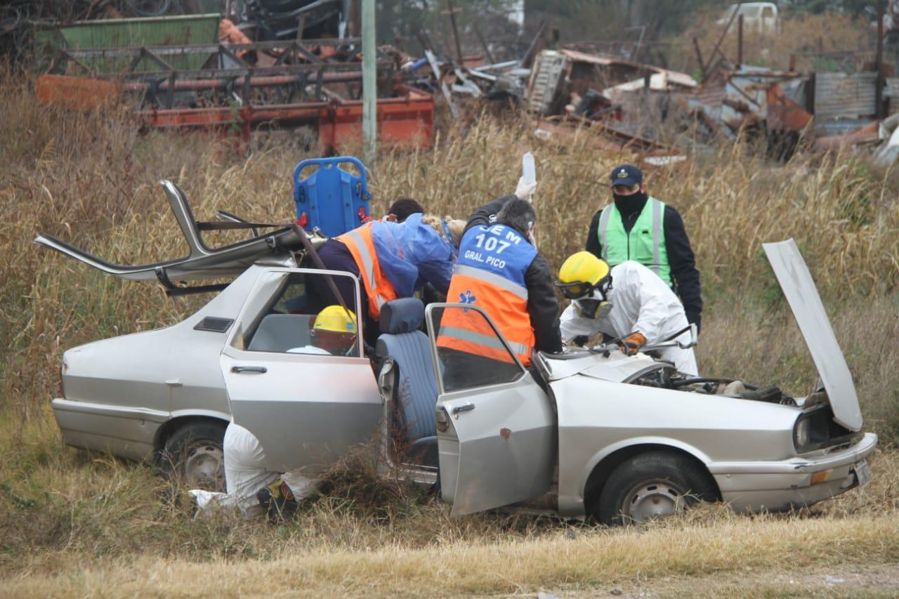 Triste noticia: Falleció el conductor del Renault 12 que había chocado cerca de la rotonda del Aeroplano
