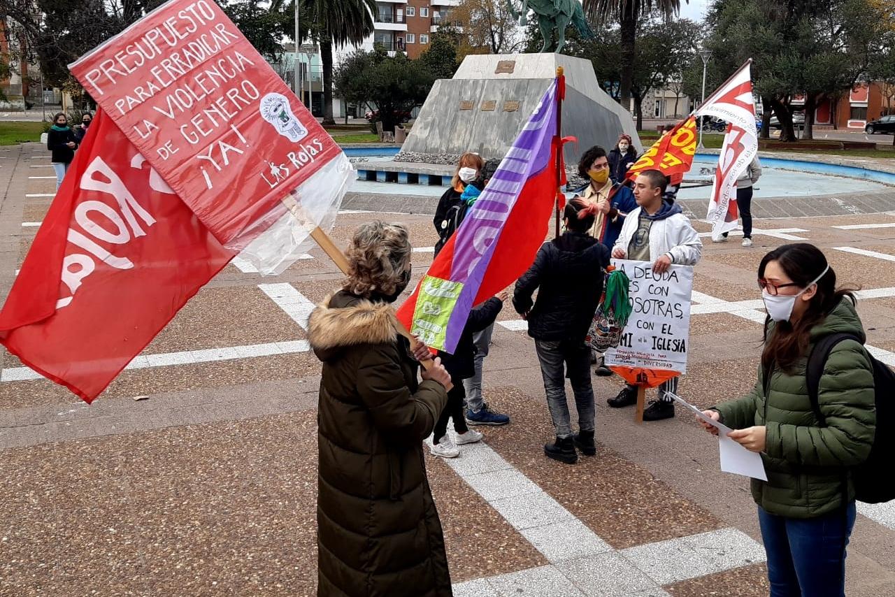 Fotogalería de «Ni una menos» en General Pico: Reclamaron por las situaciones de violencia y femicidios