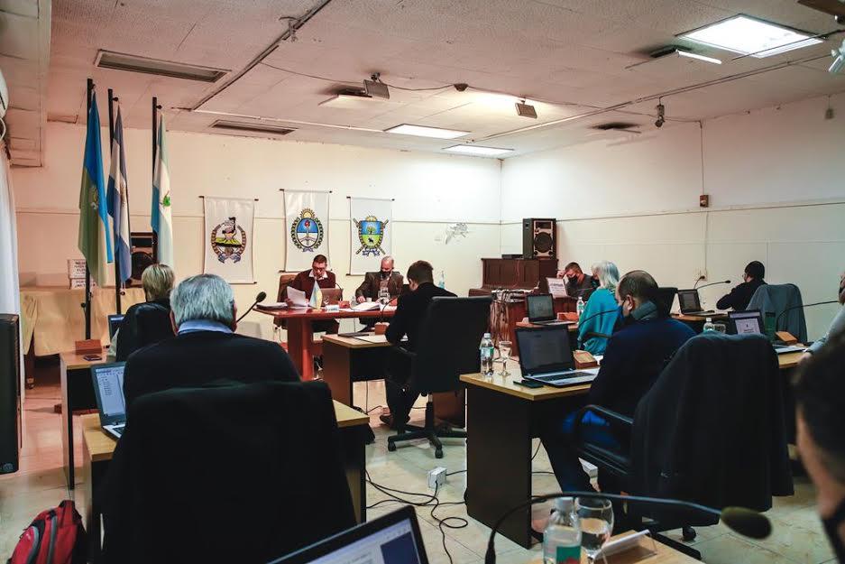 Concejo Deliberante : autorizaron a Vialidad provincial la pavimentación de 75 nuevas cuadras de asfalto en la ciudad y la reparación de más de 400