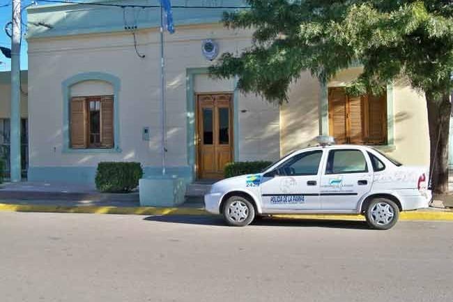 Eduardo Castex: Le secuestran mercadería y vehículo a vendedor ambulante piquense