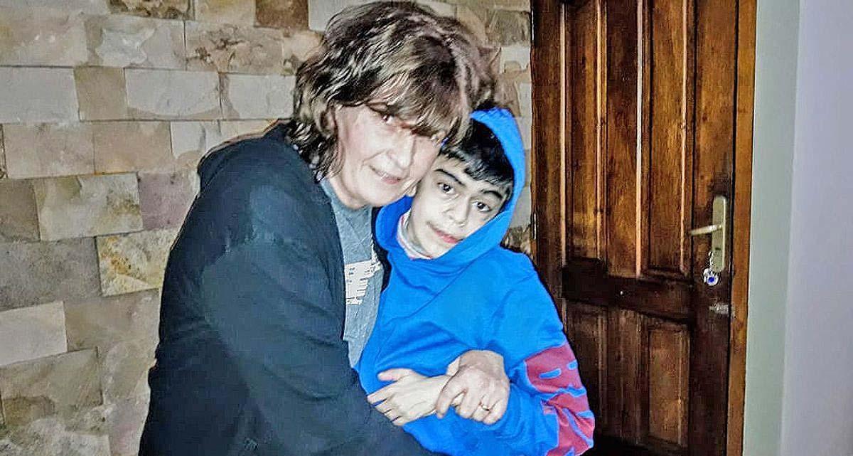 A los 14 años, un adolescente con parálisis cerebral que vive en el sur de Córdoba comenzó a caminar y emocionó a todos