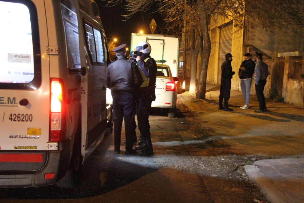 """A punta de pistola, dos delincuentes intentaron asaltar a un camionero en General Pico: Uno de ellos habría dicho """"tirale, tirale…"""""""