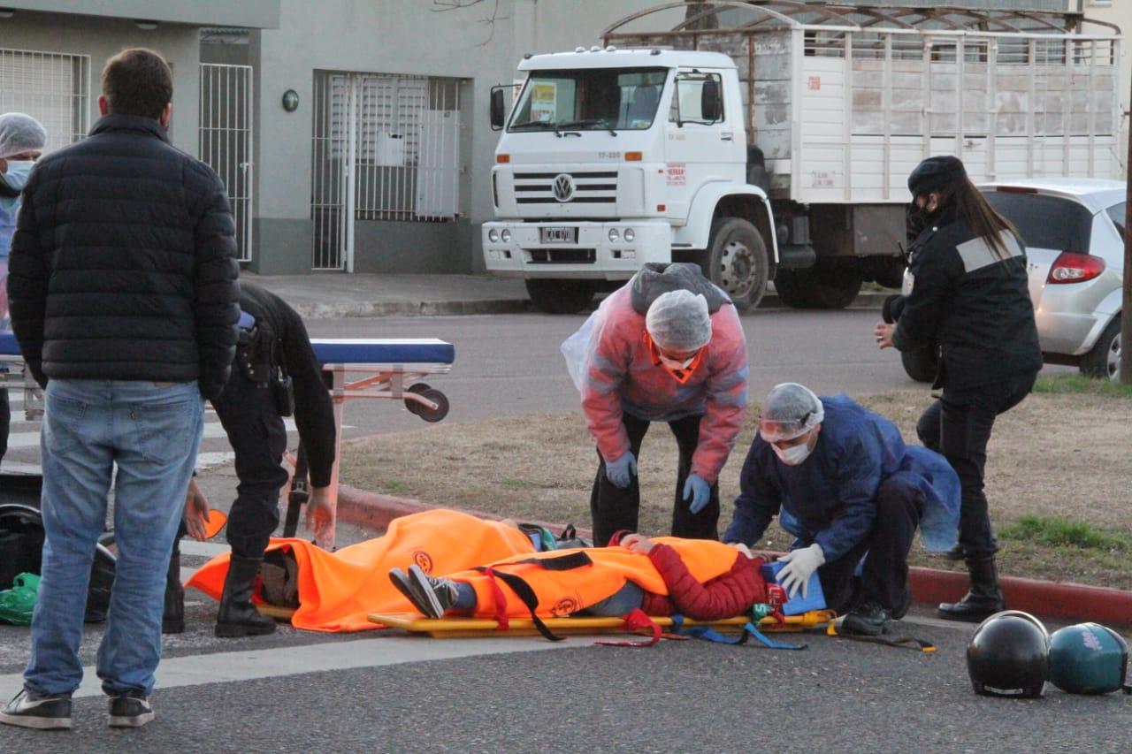 Dos motociclistas fueron trasladadas al hospital luego de sufrir un accidente de tránsito