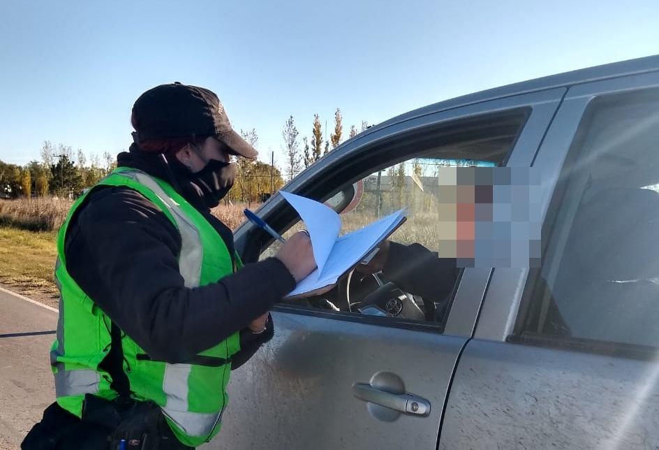 Detuvieron a una pick up con cuatro ocupantes que querían ingresar a La Pampa desde Córdoba: La Policía los escoltó para asegurarse que se retiren de la Provincia