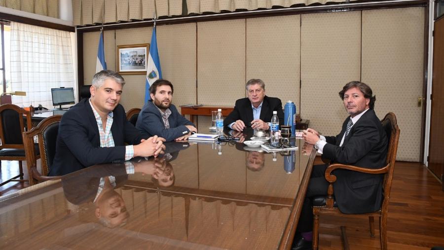 Funcionarios pampeanos respaldan el DNU del presidente Alberto Fernández en relación a los servicios de telefonía e internet