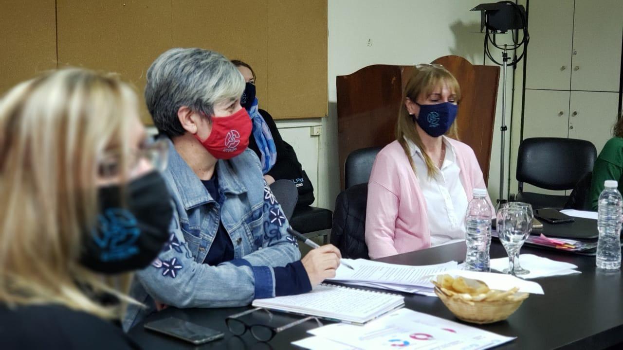 La Pampa: Los docentes suplentes continuarán trabajando hasta el 31 de diciembre