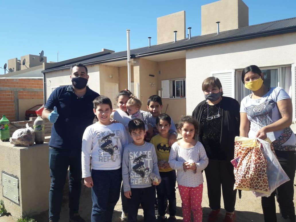 Día del Niño: ¡Gran recorrida por los barrios de General Pico para entregar juguetes y golosinas!
