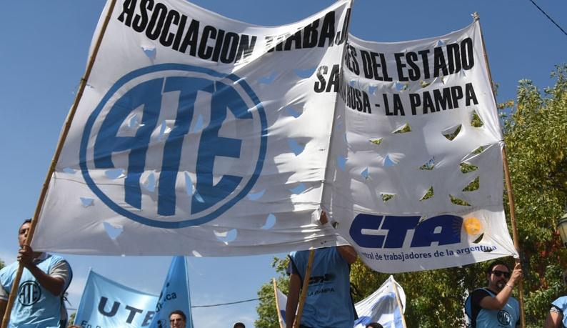 Partidos políticos, sindicatos, y organizaciones piden un jurado de enjuiciamiento para que evalúe la conducta de los funcionarios judiciales