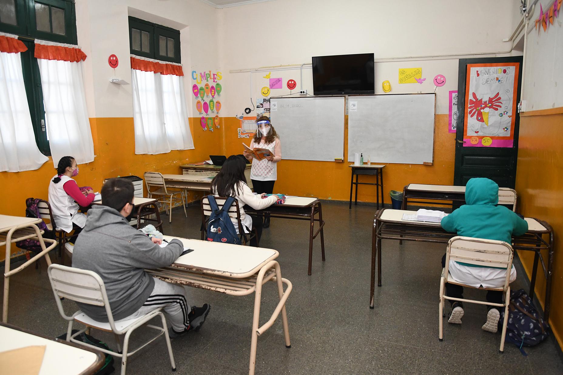 La Pampa: Educación analiza la «modalidad» de los actos de fin de curso de los sextos años del primario y del secundario