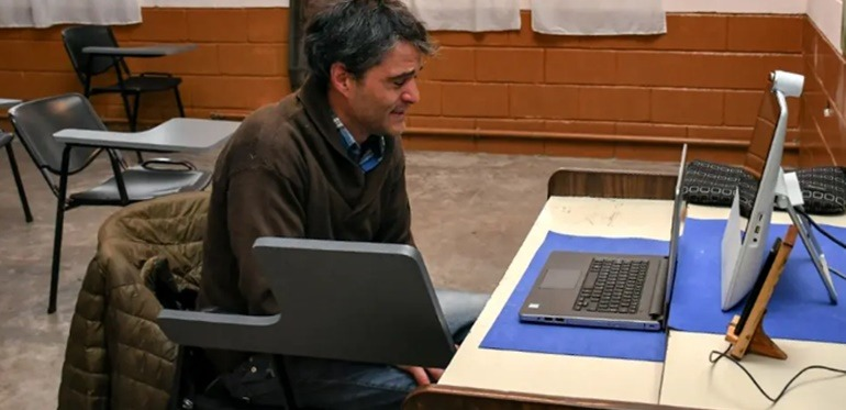 Un preso se convirtió en el primer abogado recibido en una cárcel bonaerense