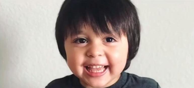 La valiente historia de Santiago, un nene de 4 años que venció la leucemia después de 93 rondas de quimioterapias