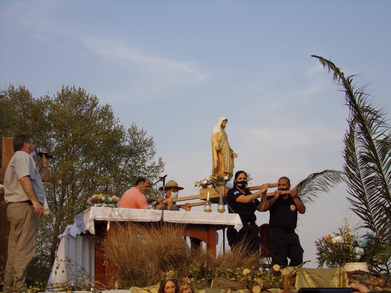 Bomberos de General Pico participaron de la peregrinación con la Virgen María Auxiliadora