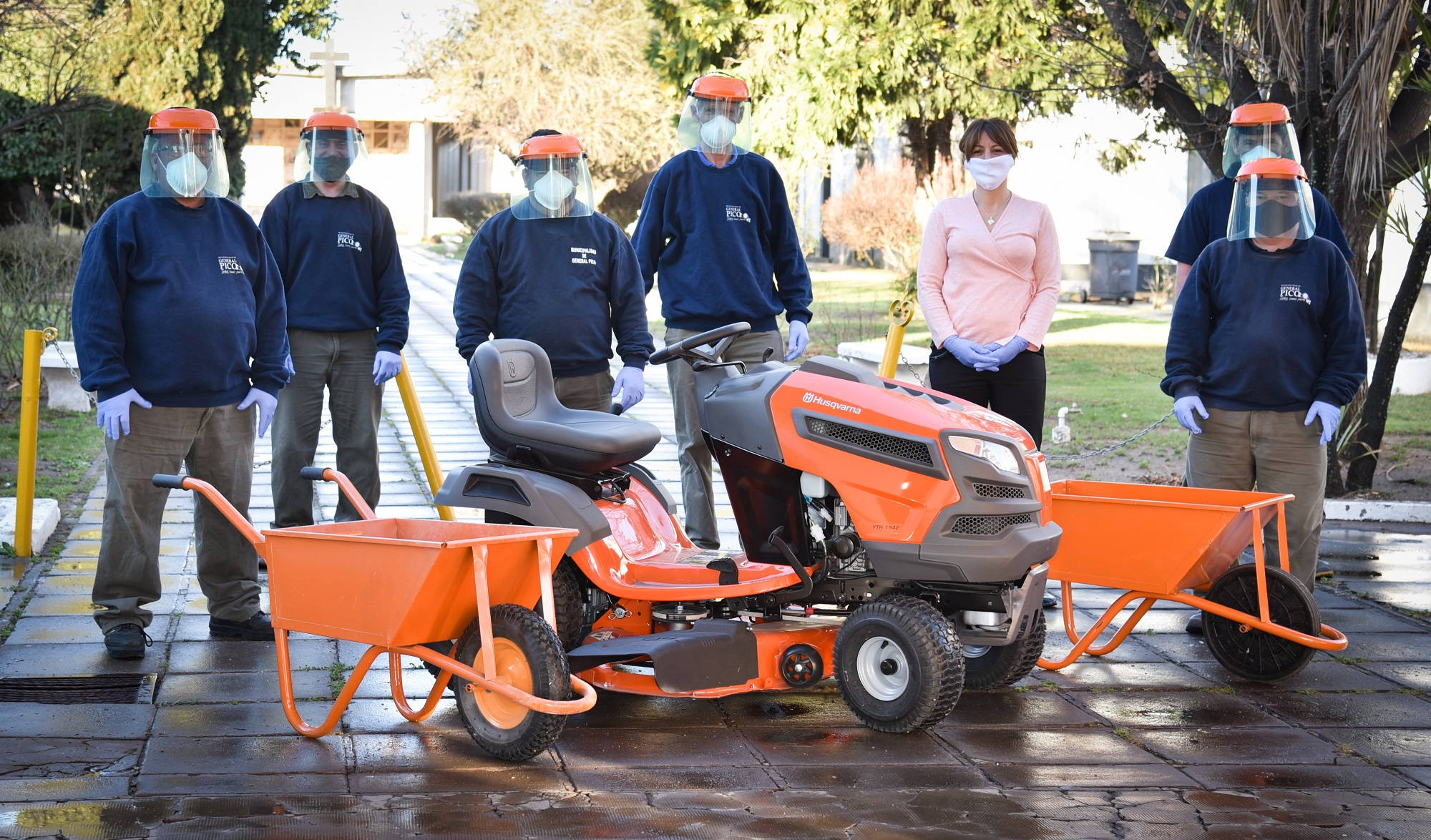 El cementerio de General Pico recibió un tractor de alta gama y lleva adelante distintas tareas de mantenimiento