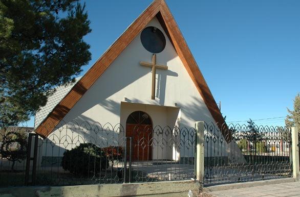 La Pampa: En medio de un casamiento, se hizo presente la Policía y terminaron clausurando la Iglesia por no cumplir los protocolos sanitarios