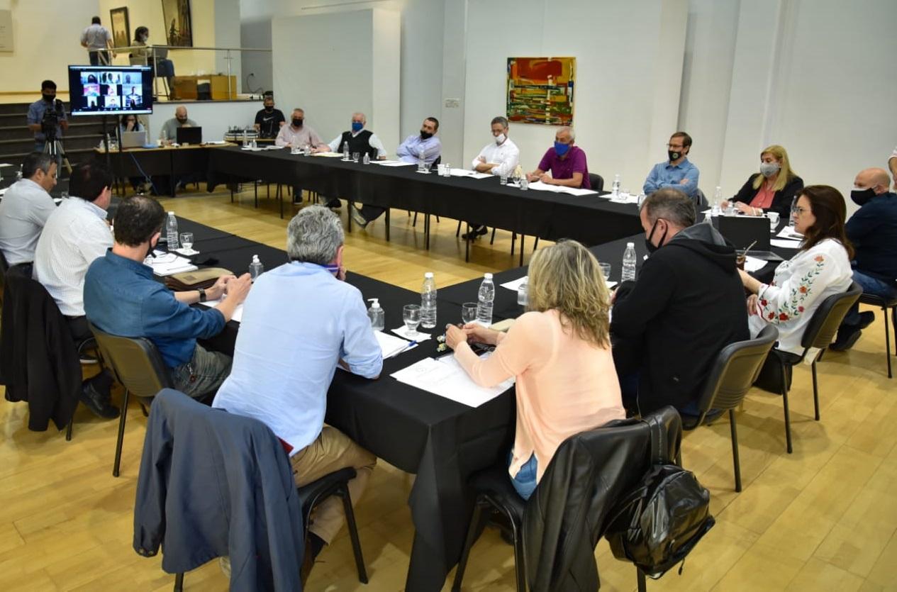 Intendentes y diputados provinciales analizaron la modificación a la Ley de Coparticipación