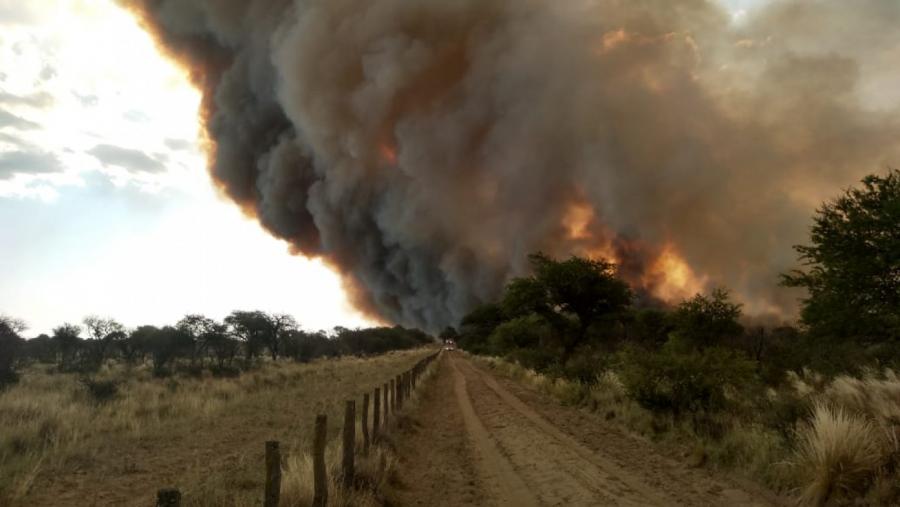 Desde Defensa Civil confirmaron que se quemaron 4.000 hectáreas al límite con San Luis: No se logró establecer las causas de los incendios