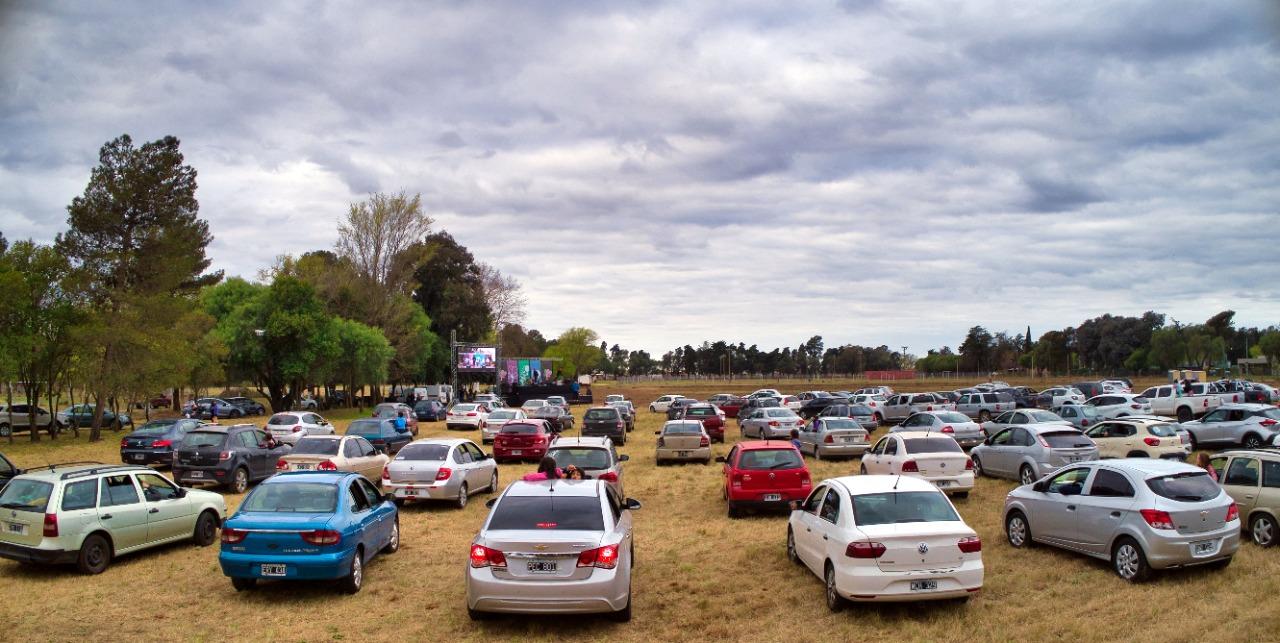 General Pico: Se llevó a cabo el primer Autoshow que contó con la participación de más de 160 automóviles