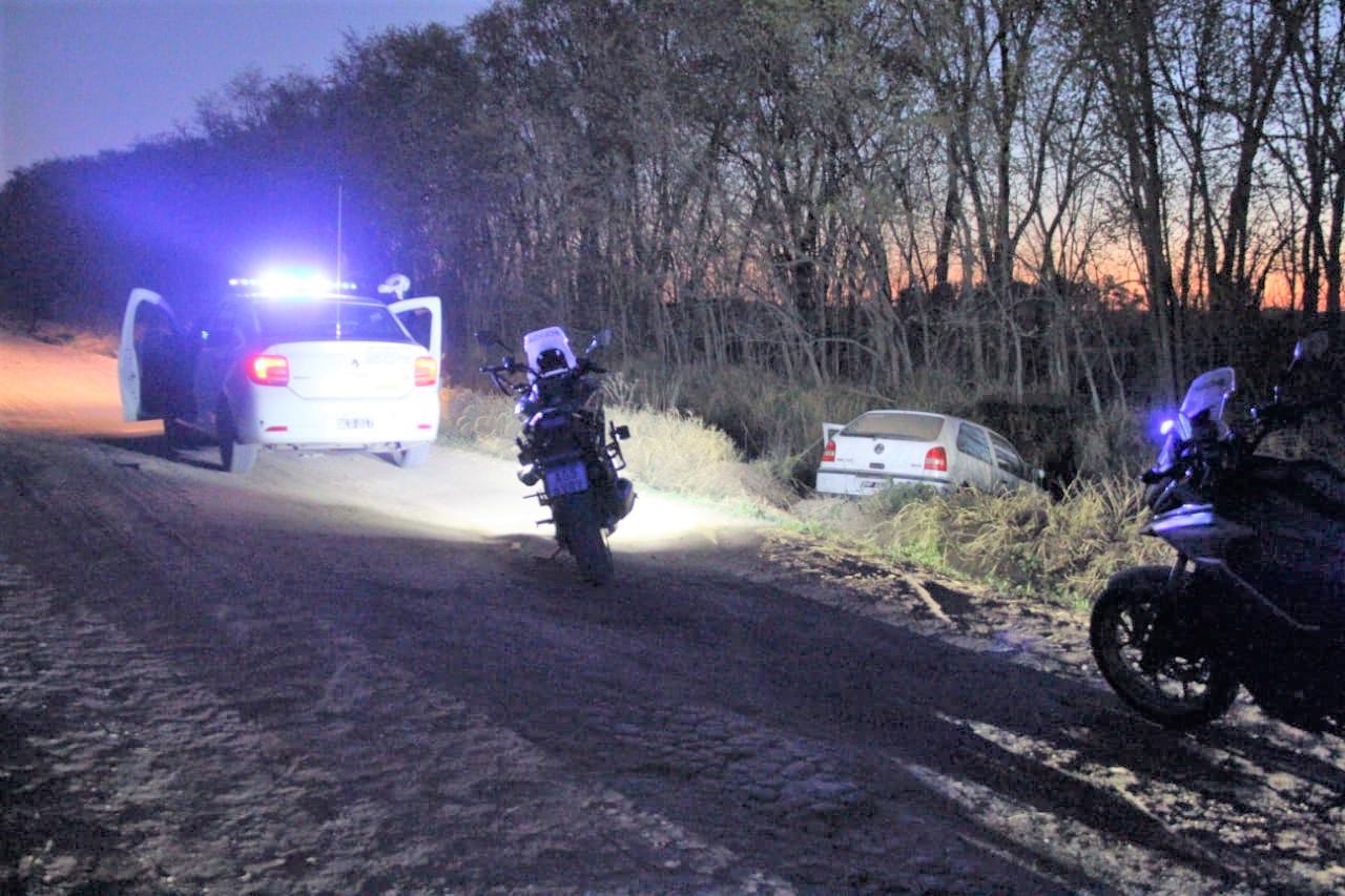 Un automóvil se despistó y terminó cayendo a una zanja camino a La Puma