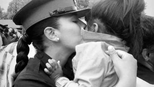 """""""El tutú de mamá"""": la nena de 3 años que ve un patrullero y llora"""