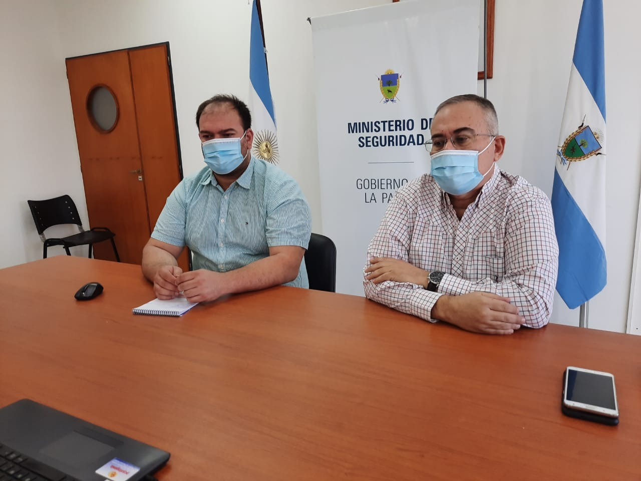 Reunión entre la administradora de la Aduana de General Pico y Seguridad para informar los protocolos desempeñados