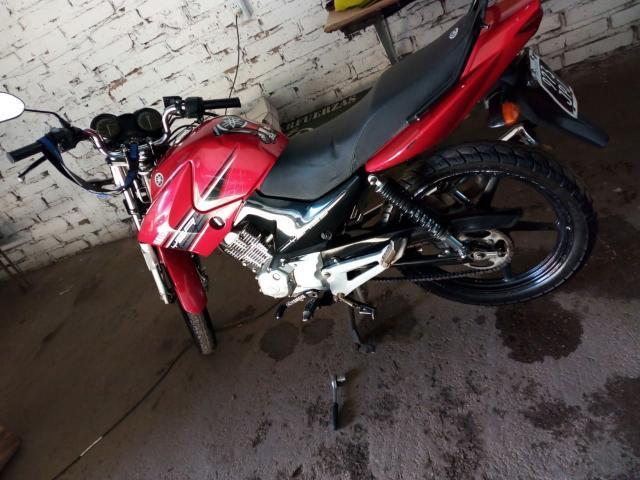 Le robaron la moto y la necesita para trabajar
