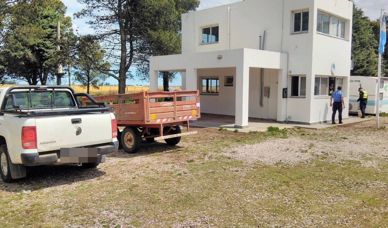 Habían ingresado por caminos de tierra a La Pampa: fueron interceptados por personal de la Brigada y se les secuestró el vehículo