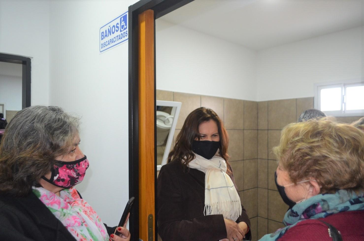 Se realizó la ampliación y el diseño de los baños y vestuarios para personas con discapacidad en la Comisión de Fomento de Barrio El Molino
