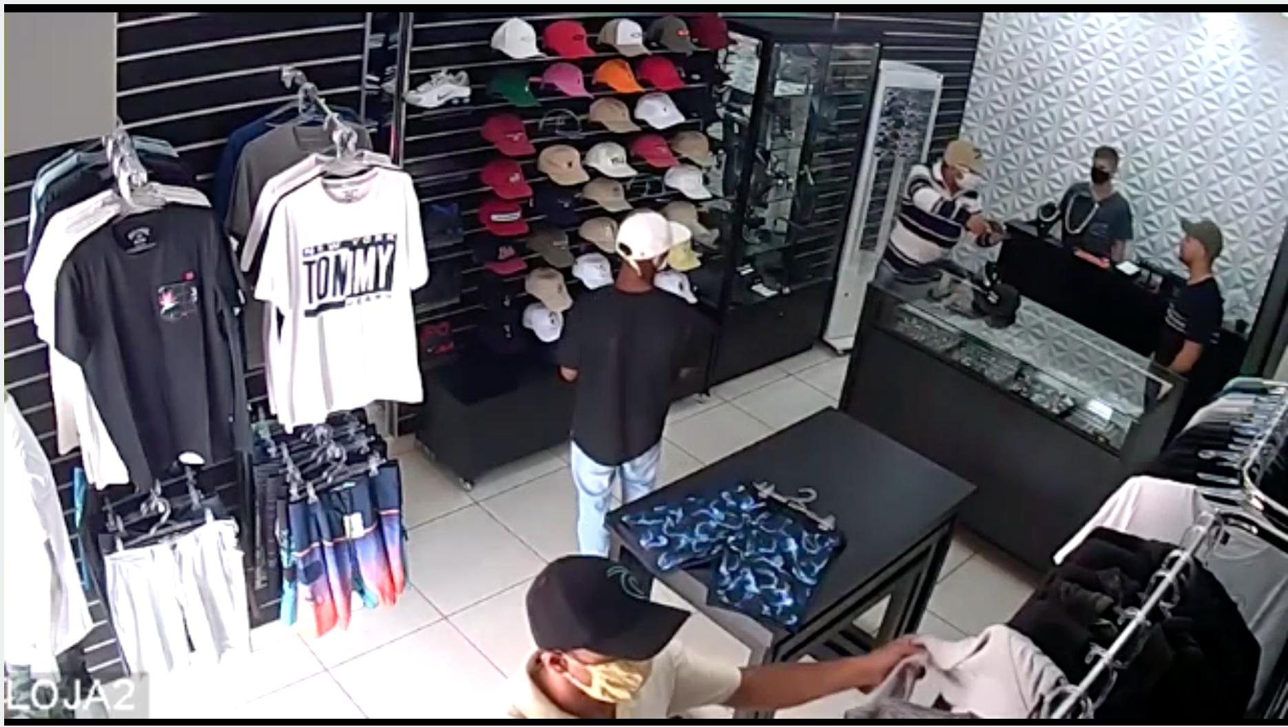 Brasil: lo asaltaron en su comercio y mató a tres ladrones