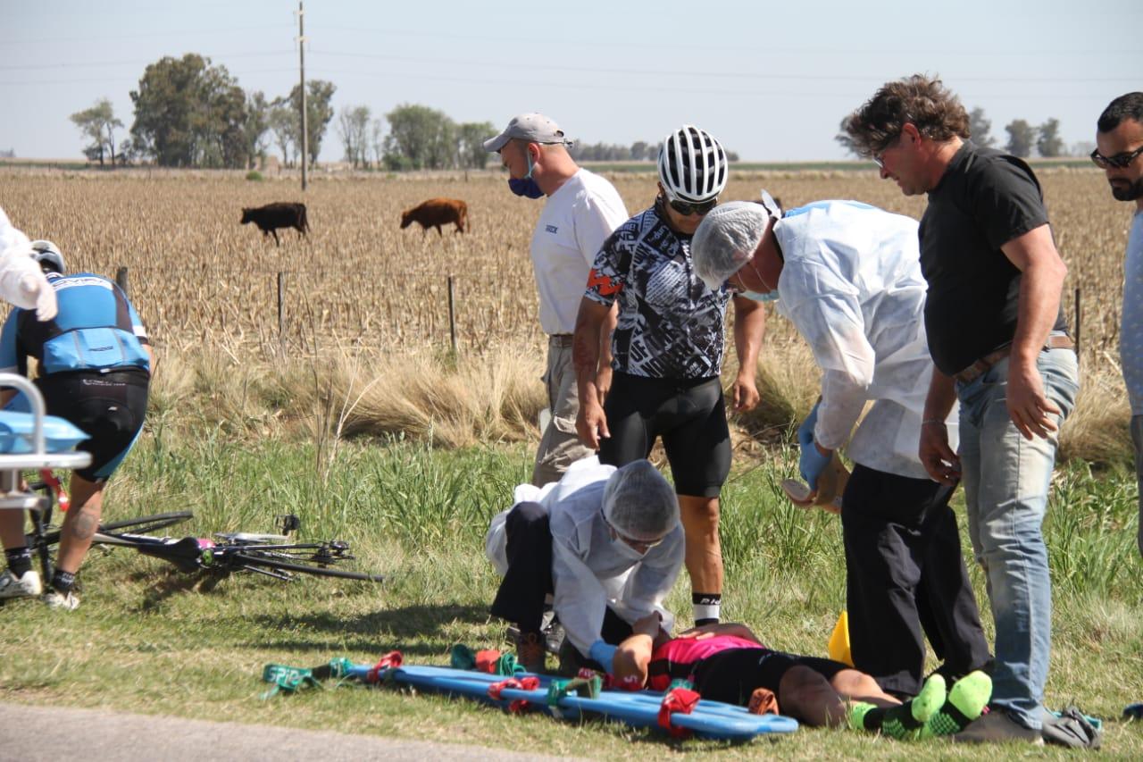 Una ciclista resultó lesionada tras ser rozada por un camión entre General Pico y Speluzzi