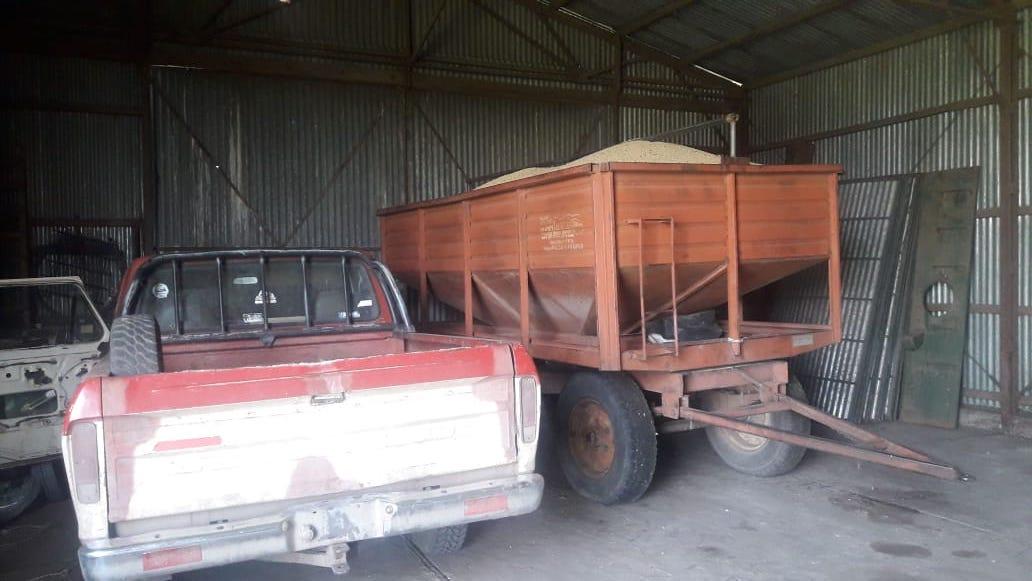 La policía recuperó 6 toneladas de soja que habían robado en Villa Mirasol, demoraron 3 personas y secuestraron las camionetas utilizadas en el hecho
