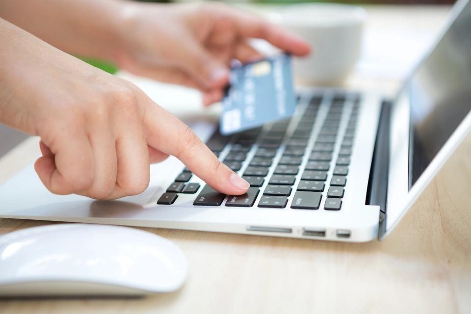 """Las empresas deben publicar en su web el """"botón de arrepentimiento"""" de compras y contrataciones"""