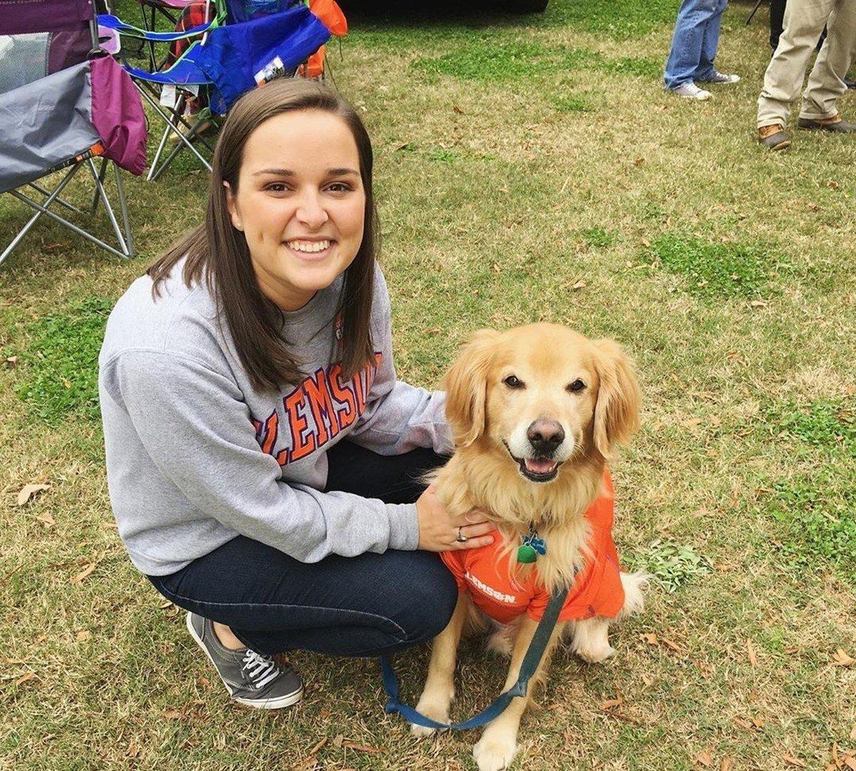 La despedida de una mujer a su perro que recorrió las redes