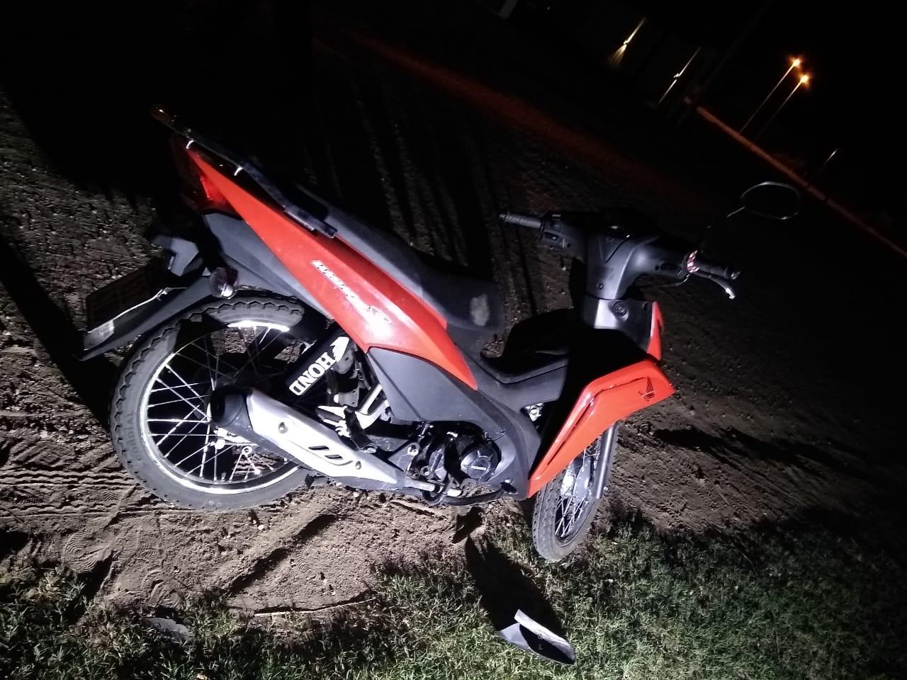Motociclista perdió el control, cayó y fue trasladado al hospital en horas de la madrugada