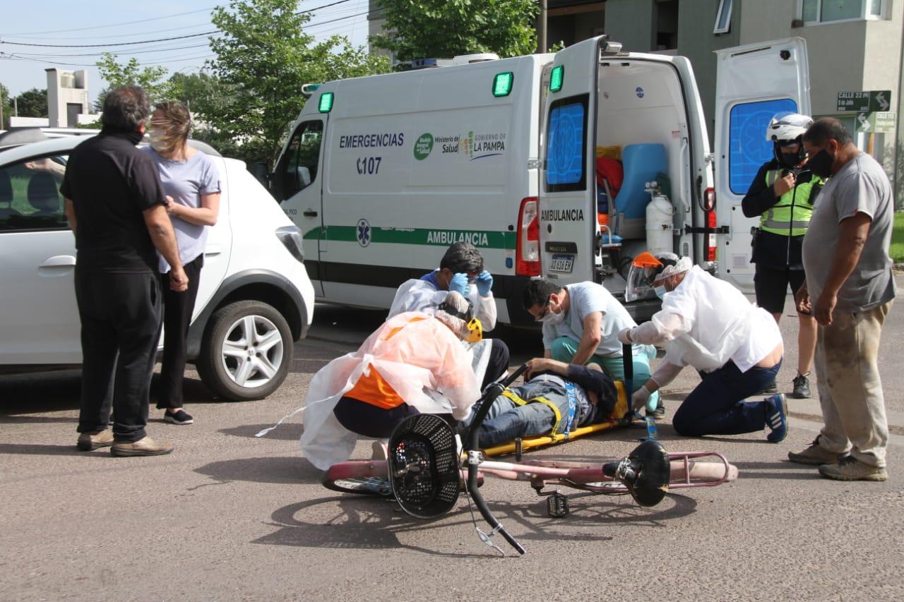 General Pico: El ciclista atropellado el día miércoles sufrió una gravísima lesión